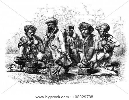 Snake charmers of India. - Drawing Sellier, vintage engraved illustration. Magasin Pittoresque 1875.