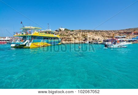 Tour Boats Blue Lagoon