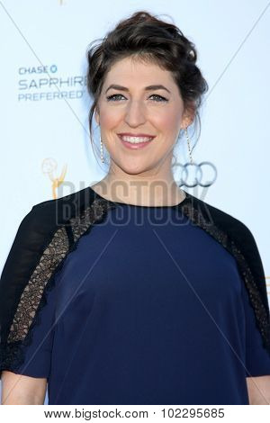 LOS ANGELES - SEP 19:  Mayim Bialik at the 67th Emmy Awards Performers Nominee Reception at the Pacific Design Center on September 19, 2015 in West Hollywood, CA