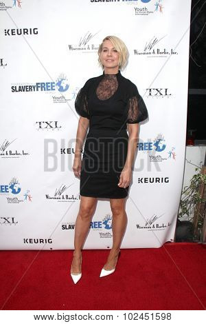 LOS ANGELES - SEP 21:  Jenna Elfman at the The Human Rights Hero Awards at the Beso on September 21, 2015 in Los Angeles, CA