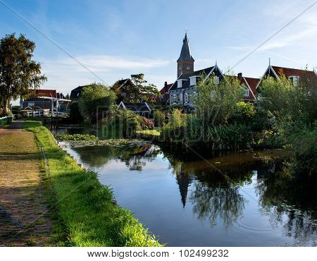 The water-rich village of Marken in the morning