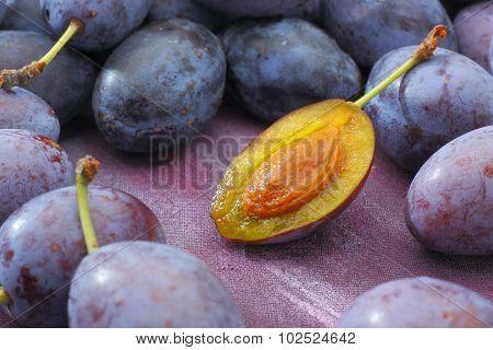 Damson Plum (Damascene) Fruits