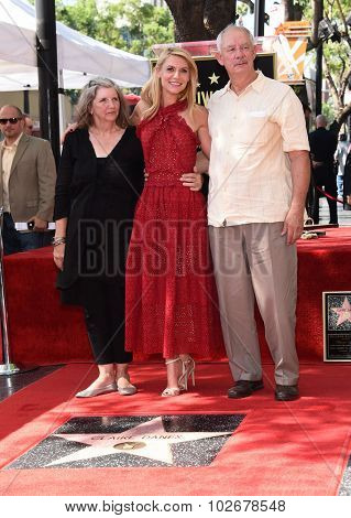 LOS ANGELES - SEP 24:  Claire Danes, Clara Danes and Christopher Danes Walk of Fame Honors Claire Danes  on September 24, 2015 in Hollywood, CA