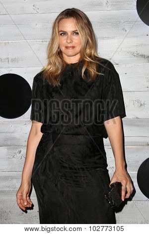 LOS ANGELES - SEP 24:  Alicia Silverstone at the VIP Sneak Peek Of go90 Social Entertainment Platform at the Wallis Annenberg Center for the Performing Arts on September 24, 2015 in Los Angeles, CA