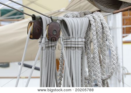 cordage, ropes and pulleys