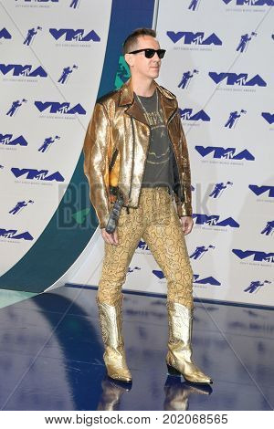 LOS ANGELES - AUG 27:  Jeremy Scott at the MTV Video Music Awards 2017 at The Forum on August 27, 2017 in Inglewood, CA