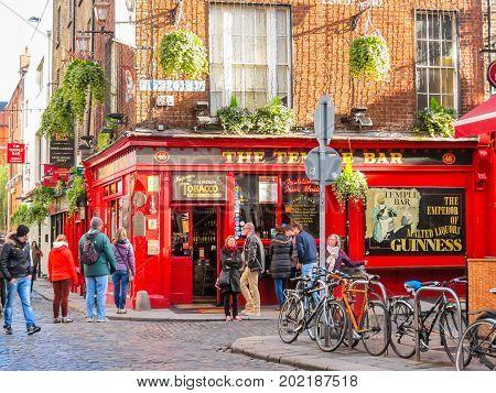 Famous Temple Bar, Dublin, Ireland