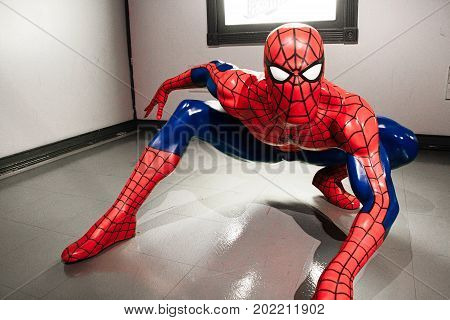 HOLLYWOOD, USA - OCTOBER 27, 2014: Spiderman at the Madame Tussauds Hollywood wax museum. It is a major tourist attraction in Hollywood.