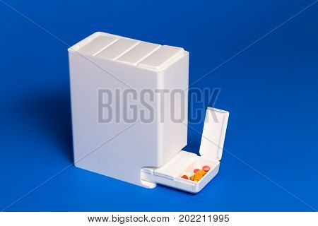 Dispenser with tablets