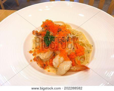 Spaghetti Carbonara with Shrimp and eggs shrimp.