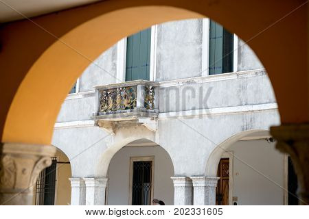 Montagnana, Italy - August 6, 2017: Arches And Arches Of Pedestrian Areas On The Streets Of The City