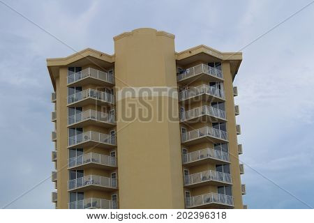 HOTEL OVERLOOKING DAYTONA BEACH FL SURROUNDED BY THE SKY