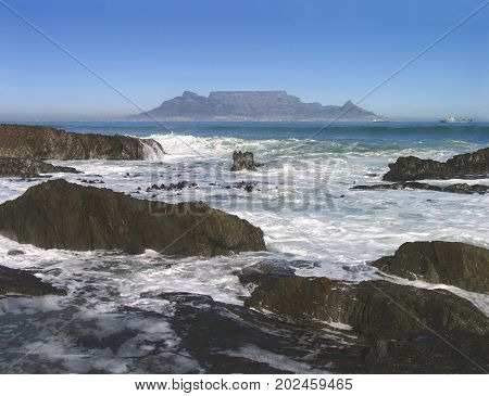 BLOUBERG STRAND, CAPE TOWN, SOUTH AFRICA ON A SUMMER DAY