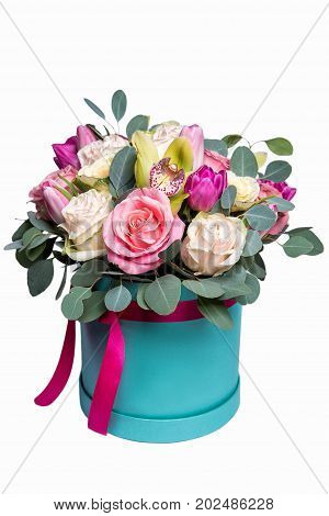 Bouquet Of Delicate Pink Roses In A Turquoise Box