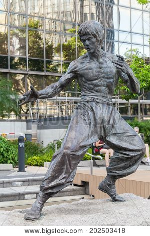 Bruce Lee Statue Located In Hong Kong
