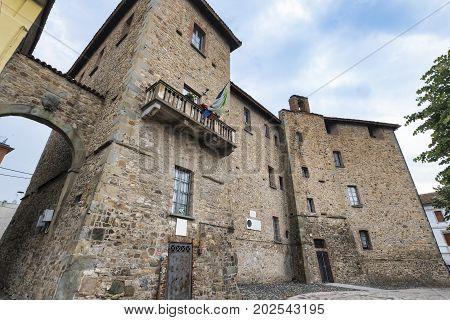 Pianello Val Tidone (Piacenza Emilia Romagna italy): exterior of the medieval castle