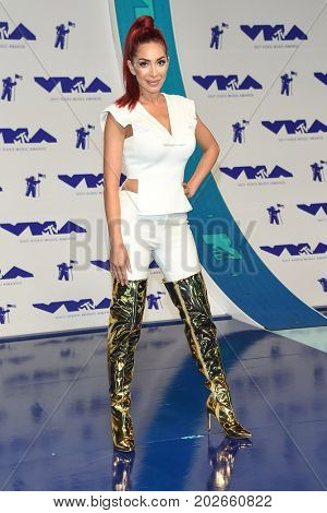 LOS ANGELES - AUG 27:  Farrah Abraham arrives for the MTV Video Music Awards 2017 on August 27, 2017 in Inglewood, CA