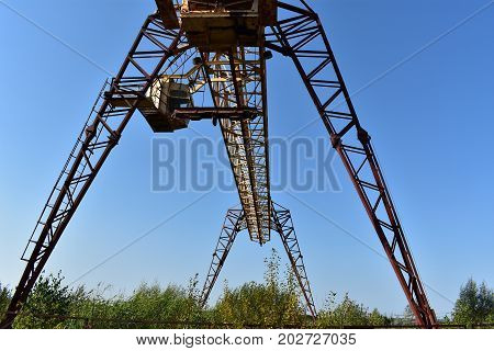 gantry crane on production is a thing necessary at all times