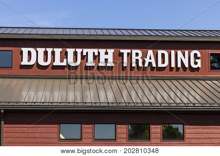 Indianapolis - Circa September 2017: Duluth Trading Retail store. Duluth Trading specializes in heavy duty work clothes II