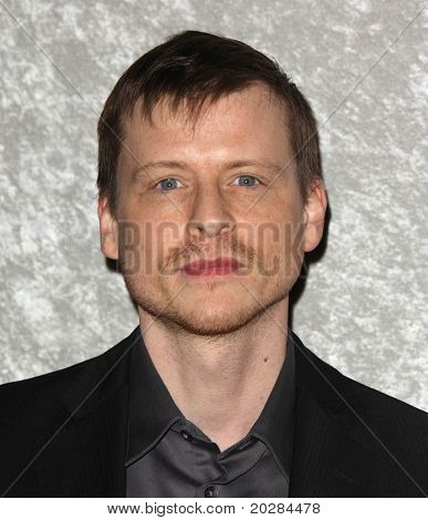 LOS ANGELES - JAN 12:  Kevin Rankin arrives to Season 5 premiere of