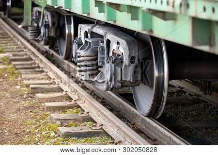 Dual Gauge Track Example That Allows The Passage Of Trains Of Two Different Track Gauges Narrow-gaug
