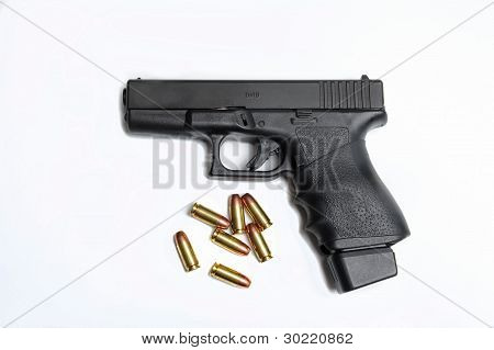 Semi Automatic Pistol With Ammuntion
