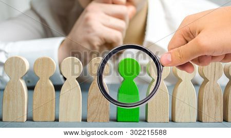 The Leader Chooses The Person In The The Team. Talented Worker. Hiring Staff. Employee Search. Promo