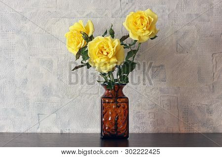 Beautiful Roses Close Up. Yellow Roses In A Vase. Bouquet Of Roses