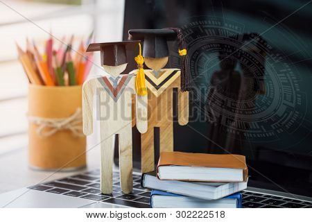 E-learning Online Learning Of Education,back To School Concept, People Wood Graduation Celebrating C