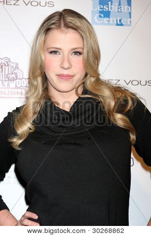 LOS ANGELES - FEB 19:  Jodie Sweetin arrives at the 2nd Annual Hollywood Rush at the Wilshire Ebell on February 19, 2012 in Los Angeles, CA.