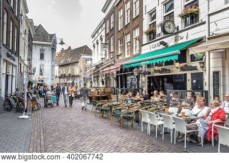 Hertogenbosch, Netherlands -august 28, 2015: Tourist In The Streets Of The Historic Centre Of Hertog