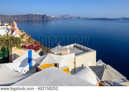 Caldera View And Cycladic Architecture Of Oia Village On Santorini Island. Cyclades, Greece