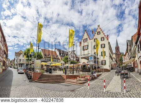 Oppenheim, Germany - June 27, 2020: People Enjoy A Summer Day At Market Place Of Oppenheim, Germany