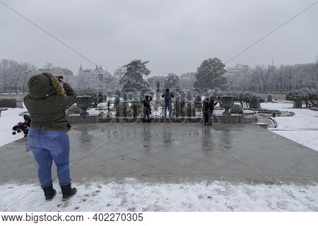 Madrid, Spain - January 07, 2021: People Enjoying A Walk Through The Buen Retiro Park In Madrid, In