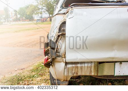 Select Focus At  Rear Car Accident And Blur Background ,car From Being Bumped The Rear Lights,car Bu