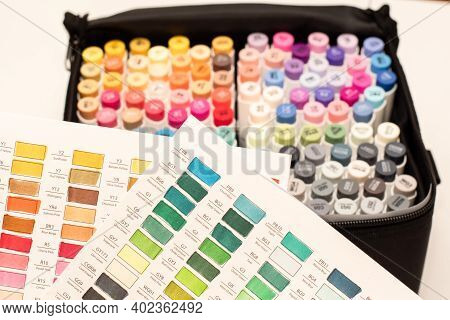 Alcohol Based Sketch Drawing Copic Style Markers Set In A Bag With Color Swatches. Brush And Chisel