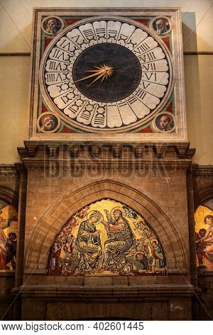 Florence, Italy - September 8, 2011: 24-hours-clock Painted By Paolo Uccello In Santa Maria Del Fior