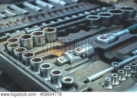 Working Tools Set Car Mechanics Wrenches: Ring Wrench, Screwdriver, Hex Wrench Set And Other Tools.