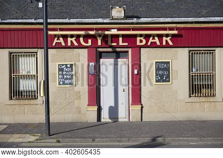 Glasgow, Scotland, Uk, October 11th 2020, Central Scotland Pubs And Bars Closed By The Scottish Gove