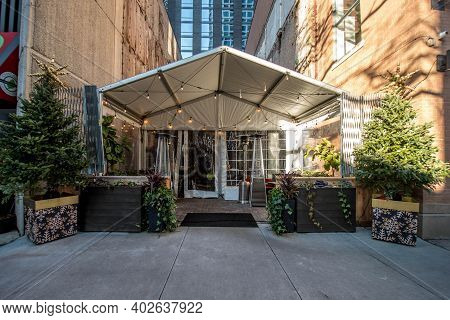 Chicago, Il December 14, 2020, Exterior Of Maple And Ash Restaurant With Outside Outdoor Eating Due