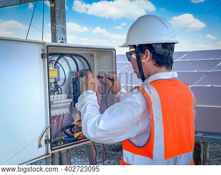 Engineers Used A Multimeter For Checking The Performance Of The Solar Panel To Confirming Systems Wo