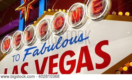 Welcome To Fabulous Las Vegas Retro Neon Sign In Gambling Tourist Resort, Usa. Iconic Vintage Glowin