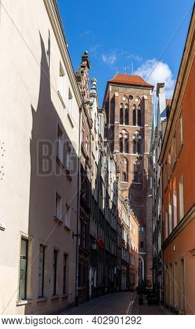 Gdansk, Poland - Sept 6, 2020: Kaletnicza Street At The Main Town (old Town) In Gdansk