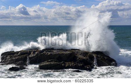 Big Waves along the Northern California Coast