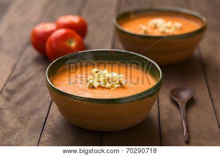 Ecuadorian Tomato Soup with Popcorn