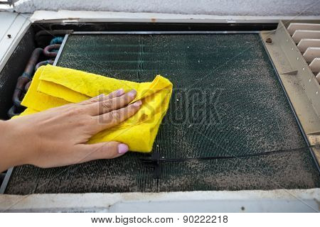 Cleaning Of Dirty Air Conditioner