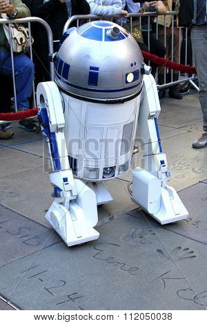 LOS ANGELES - DEC 17:  R2-D2 at the Australian Star Wars fans get married in a Star Wars-themed wedding at the TCL Chinese Theater on December 17, 2015 in Los Angeles, CA