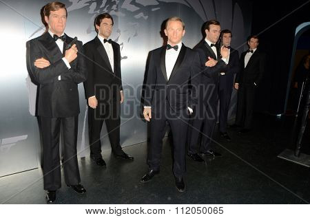 LOS ANGELES - DEC 15:  Wax figures of Six Bond actors at the Madame Tussauds Hollywood Reveals All Six James Bonds In Wax at the TCL Chinese Theater on December 15, 2015 in Los Angeles, CA