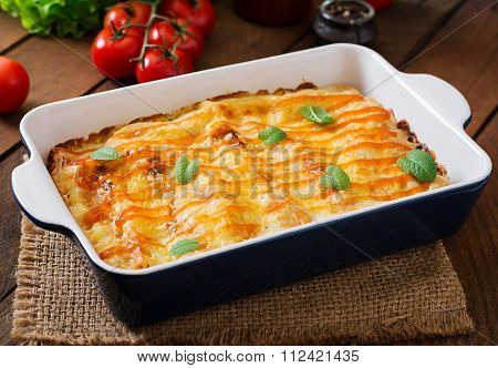 Meat Cannelloni Sauce Bechamel