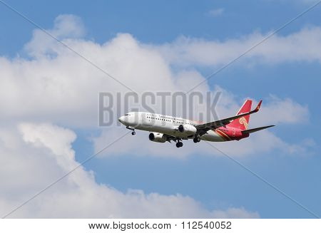 Boeing 737 Approaching To Airport